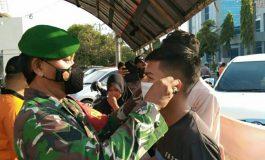Penegakan Prokes Terus Dilakukan Oleh Babinsa Koramil 12 Baturaja dan Tim Gabungan PPKM Mikro