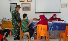 Monitoring Pelaksanaan Vaksinasi oleh Babinsa di Desa Ciptodadi