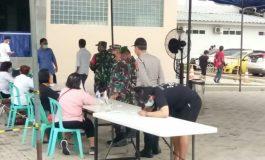 Kodim Laksanakan Vaksin Kepada 661 Orang Peserta di Gereja Bethel Indonesia Musi Palem Indah